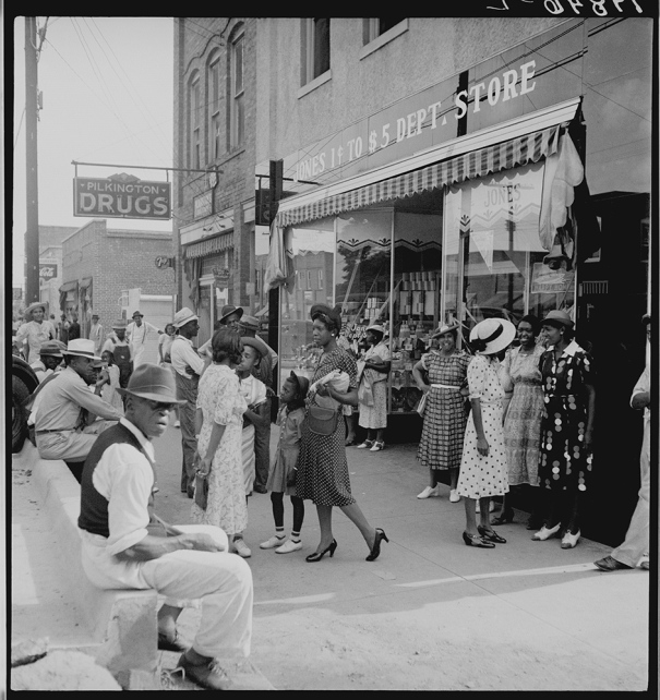 Shopping and visiting on main street of Pittsboro, North Carolina. 1939 Library of Congress Prints and Photographs Division, Reproduction # LC-DIG-fsa-8b33858 http://www.loc.gov/pictures/item/fsa2000003378/PP/